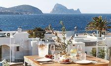 Auch auf Ibiza ändert sich der Name: Das Flaggschiff von 12.18 wird zu 7Pines Kempinski