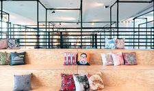 Coworking und Kontakten erwünscht: The Hotel Darmstadt bietet eine flexible Lobby Seating Area