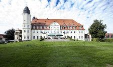 Markantes Gebäude: Das Schloss Fleesensee ist eines der drei Hotels auf dem 500 Hektar großen Gelände