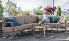 Klare Struktur trifft Komfort: Lounge-Serien, hier von Vega, sollten nicht nur schön aussehen, sondern auch wetterfest und flexibel einsetzbar sein.
