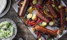 Herzhafte Veggie-Bratwurst: Hier geben unter anderem Rote Beete und Paprika den Ton an