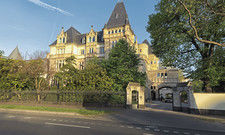 Imposantes Gebäude mitten in Frankfurt: Die Villa Kennedy der Hotelmarke Rocco Forte