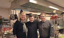 Festival-Einsatz: (von links) Direktorin Karin Brockmeier mit Sternekoch Daniel Gottschlich und Küchenchef Martin Scheidner im Ambassador St. Peter-Ording.