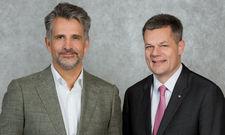 Der IHA-Vorsitzende Otto Lindner (links) und Hauptgeschäftsführer Markus Luthe: Bisherige Beschlüsse nicht passgenau.