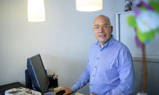 Er hat die behördliche Belegungsbeschränkung genau durchkalkuliert: Der Lüneburger Hotelier Jörg Laser