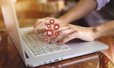 Ständig im Netz: Hoteliers erreichen ihre Gäste zurzeit noch öfter über das Internet und die sozialen Medien.