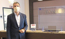 Restart mit Maske: Matthias Sieber-Wagner, General Manager im Intercityhotel Mainz.