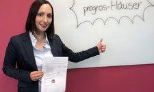 Genau gecheckt: Franziska Jeske, Direktorin Controlling bei Progros, hat Bonus-Schecks und Überweisungen im Wert von rund 2,7 Mio. Euro ausgestellt