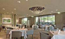 Großzügig: Das Restaurant Aqua hat auch schon vor Corona viel Platz zwischen den Tischen gelassen.