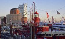 Bekannte Hamburger Wahrzeichen: Die Elbphilharmonie und der Hafen
