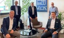 Austausch in der Krise: Henning Rehbaum, wirtschaftspolitischer Sprecher der CDU-Landtagsfraktion (vorne links) mit Vertretern des Dehoga Nordrhein