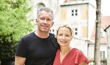 Barbara und Shane McMahon bereiten sich mit viel Liebe auf ihre neue Aufgabe als Wirte des Asam-Schlössl vor