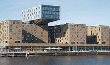 Eigentümerwechsel: Das Hotel nhow am Berliner Osthafen wurde an einen Schweizer Investor verkauft.