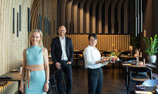 Die Gestalter des Restaurants Sophie Bermülller und Matthias Niemeyer mit Küchenchefin Yongqiao Wu