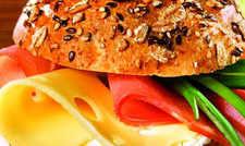 Gut belegt: Viele Käsespezialitäten sind sogar laktosefrei