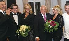 In Feierlaune: (von links) Gastgeber Klaus Schurr, Präsident Klaus Sieker, Heike Straubinger, Eckart Witzigmann, Karin Schurr und Küchenchef Rolf Straubinger