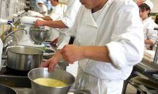 Herausforderung für die Branche: Vor allem in der Gastronomie lässt sich Nachwuchs schwer finden