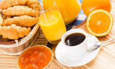 Guten Morgen: Frisch gepressten Orangensaft servieren allerdings nur 25 Prozent der Hoteliers