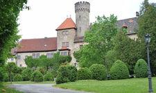 """Idyllische Lage: Das Ringhotel Schloss Hohenstein bei Coburg darf die Bezeichnung """"Gast im Schloss"""" tragen"""