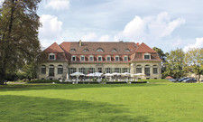 Schlossluft schnuppern beim Champagnerfrühstück: Die Terrasse von Schloss Kartzow ist auch für externe Gäste geöffnet