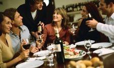 Gemeinsames Abendessen: Das will Ringhotels jetzt alleinreisenden Gästen ermöglichen